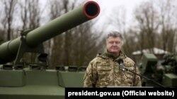 Петро Порошенко показав відео випробувань бойового модуля «Дуплет»