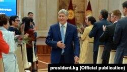 Қырғызстан президенті Алмазбек Атамбаев.
