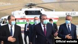 Эмомали Рахмон находится с рабочей поездкой в ГБАО. Фото пресс-службы президента Таджикистана