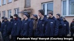Кадр з документального фільму Василя Возняка «Небо над головами»