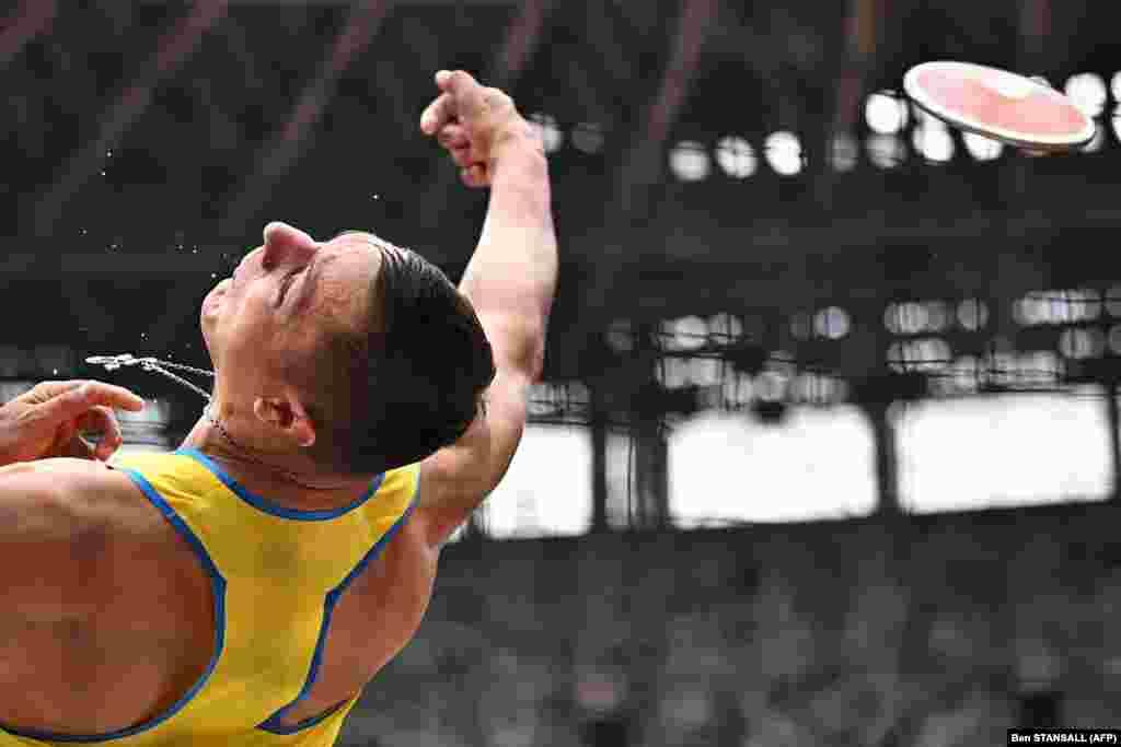 Українець Микита Нестеренко під час кваліфікації з метання диска серед чоловіків на Олімпійських іграх у Токіо-2020, 30 липня 2021 року