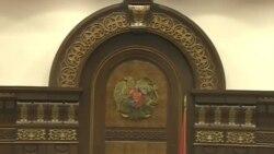 2016-ին էլ ԱԺ նիստերից բացակայում էին գրեթե նույն պատգամավորները