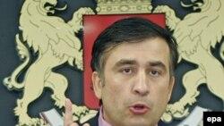 Bundan öncə Rusiya Saakaşvilinin danışıqlar təklifini rədd edib