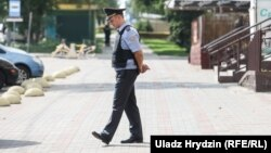 Міліцыянт падчас апэрацыі па вызваленьні закладніцы ў Заслаўі