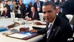 Оценивать дела нового президента США пока рано, считает политолог