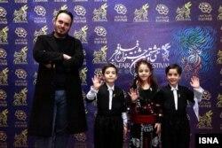 محمدحسین مهدویان و سه بازیگر «درخت گردو» در حاشیه جشنواره فجر