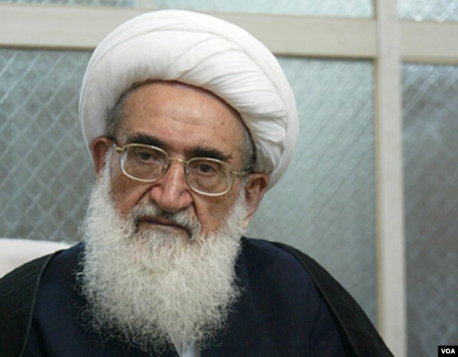 Conservative cleric Ayatollah Hossein Nuri Hamedani (file photo)