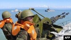 Грузинские зенитчики ждут приказа стрелять на поражение