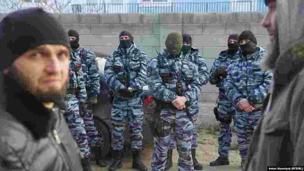 Силовики «вторглись» на заседание общественной инициативы «Крымская солидарность»