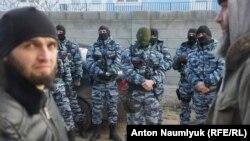 Російська поліція на одному з кримськотатарських заходів у Криму, архівне фото