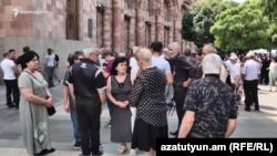 Кашатагцы перед зданием правительства, 9 июля 2021 г․