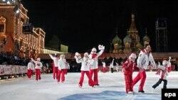Не каждый россиянин может сегодня позволить себе русскую зиму. Каток на Красной площади