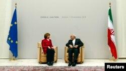 Catherine Ashton Mohammad Javad Zarif ilə görüş zamanı