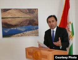 Имомиддин Сатторов.