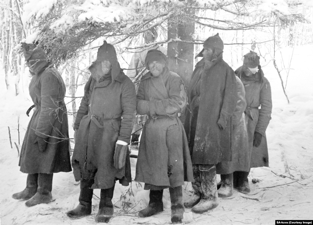 Wounded and freezing Red Army soldiers after capture in February 1940.