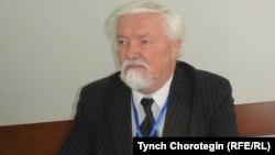 Археолог жана кыргыз таануучу Юлий Худяков. 15-ноябрь, 2012-жыл.