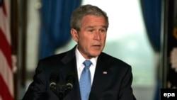 جرج بوش، رييس جمهوری آمريکا، می گوید دیپلماسی گزینه اول آمریکا است. (عکس از EPA)