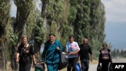 На вопрос: захотели бы вы вернуться в Абхазию, если она не будет частью Грузии, 85% опрошенных ответили «нет», но около 10% выразили свою готовность вернуться даже на таких условиях