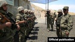 Zakir Hasanov hərbi hissədə