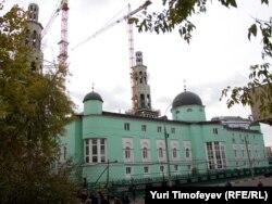 Мәскәү Җәмиг мәчетендә төзелеш эшләре, 2010 елның октябре