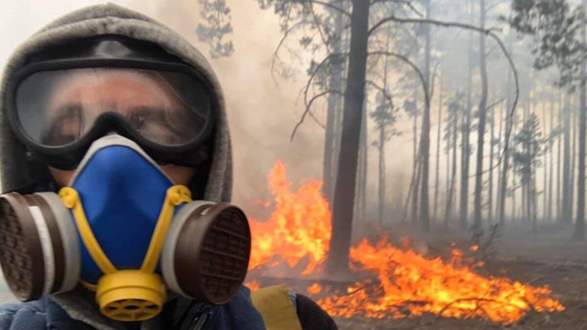 «Это очень страшно на самом деле»: волонтер о пожаре в Зоне отчуждения и на Житомирщине