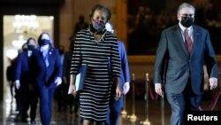 Члены Палаты представителей-демократы, выступающие в качестве обвинителей на процессе над Дональдом Трампом в Сенате