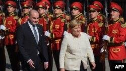 Свой визит в Грузию Ангела Меркель начала со встречи с премьер-министром страны Мамукой Бахтадзе