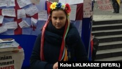 ალისა, ევრომაიდნის მოხალისე თარჯიმანი
