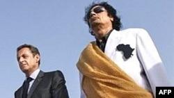 معمر قذافی و نیکولای سرکوزی در لیبی