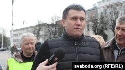 Дзьмітры Бекалюк на акцыі супраць акумулятарнага заводу ў Берасьці 7 красавіка