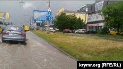 Затопленные дороги в Симферополе, 2 июня 2016 года