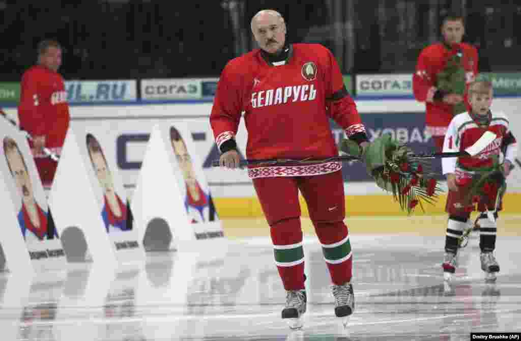 БЕЛОРУСИЈА - Група држави на Европската унија присутни во Белорусија, заедно со делегацијата на Унијата во Минск, ќе и препорача неколку патишта на ЕУ, вклучувајќи го и проширувањето на опсегот на санкции против Александар Лукашенко за фалсификување на изборите минатата година, а потоа и за насилно сузбивање на демонстрантите кои бараат тој да се повлече.