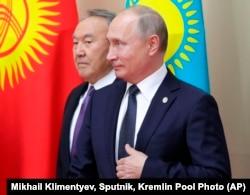 Президент Казахстана Нурсултан Назарбаев (слева) и президент России Владимир Путин. Иллюстративное фото.