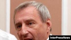 Господин Коваленко демонстративно покинул Грузию после ареста грузинскими спецслужбами нескольких российских офицеров