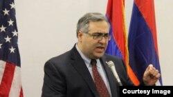 Исполнительный директор Американского комитета «Ай Дат» Арам Амбарян