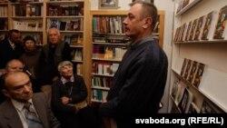 Сяргей Дубавец на прэзентацыі кнігі