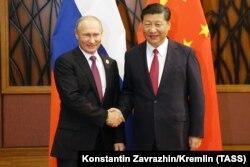 Прэзыдэнт Расеі Ўладзімер Пуцін і лідэр КНР Сі Цзінпін, 10 лістапада 2017