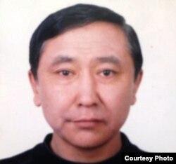 Жаркынбек Касымбайулы, этнический казах, который, по словам его родственников, взят под стражу в Китае и приговорен к тюрьме.
