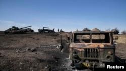Знищена військова техніка недалеко від Дебальцева. Лютий 2015 року. Ілюстраційне фото