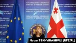 Сегодня замминистра иностранных дел Нино Каландадзе заявила, что вчерашние выборы в де-факто республике Южная Осетия были лишь «проявлением псевдодемократических игр»