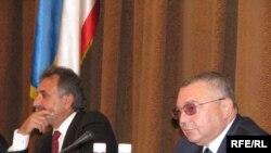 Перший заступник голови Верховної Ради Криму Григорій Йоффе (праворуч) та спікер Анатолій Гриценко