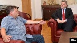 Претседателот на комисијата за 24 декември, професор Борче Давитковски се сретна со претседателот Ѓорге Иванов да му ја врачи оставката.
