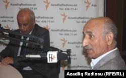 Atababa İsmayıloğlu (sağda) və Firuz Mustafa