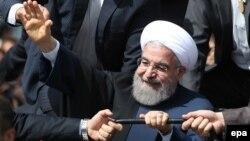 سخنان آقای روحانی در جریان سفر او به کرمان بیان شده است.