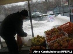 Алматы тұрғыны Владимир Кузнецов. 7 наурыз 2014 жыл.
