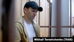 Михаил Абызов в судебной клетке. 27 марта 2019 года