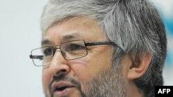 Таджикский оппозиционный журналист Дододжон Атовуллоев