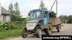 Самаробны трактар у Знаменцы