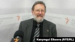 Рассел Клейнбах