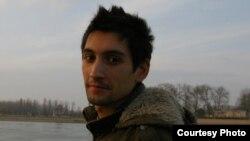 Стефан Алиевиќ, Студент на општа и компаративна книжевност и веб едитор во Младиинфо